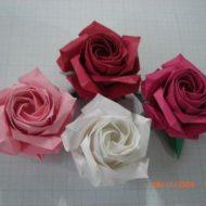 Pliage de rose en papier