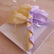 Pliage de serviette de table en papier pour mariage