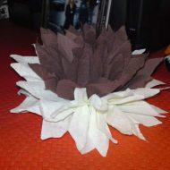 Pliage serviette en fleur