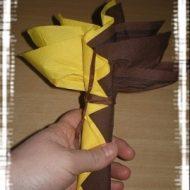 Pliage serviette fleur exotique