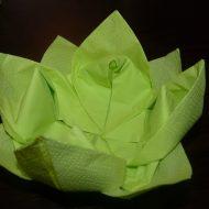 Pliage serviette fleurs