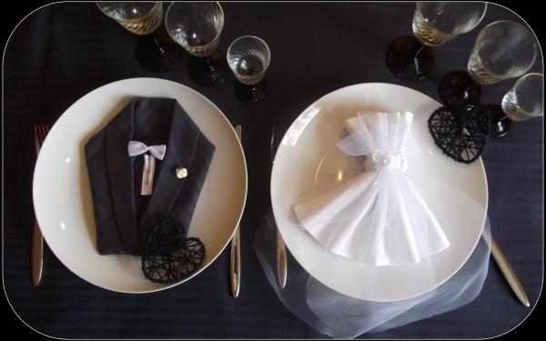 pliage serviette pour verre perfect agrable pliage serviette en papier pour verre decoration a. Black Bedroom Furniture Sets. Home Design Ideas