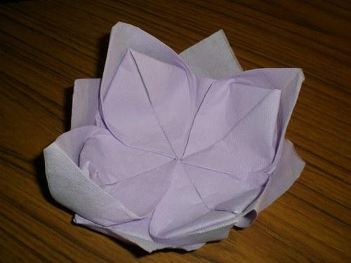 Pliage de serviette en lotus