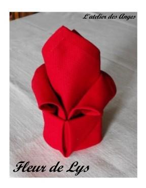 Pliage de serviette en tissu simple