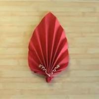 Pliage de serviette papier fleur