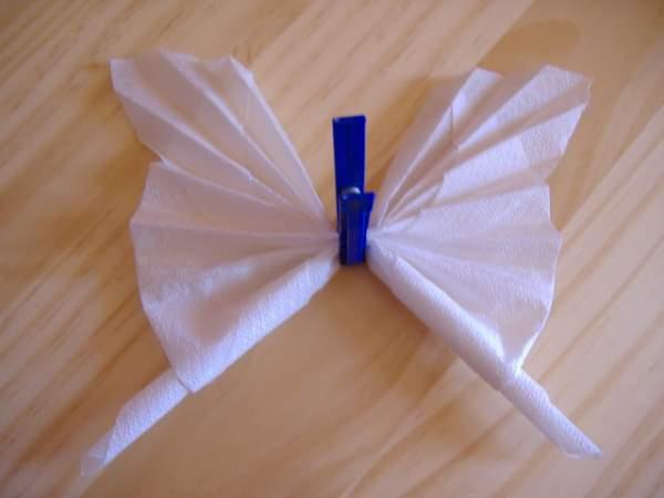 Pliage de serviettes en papillon