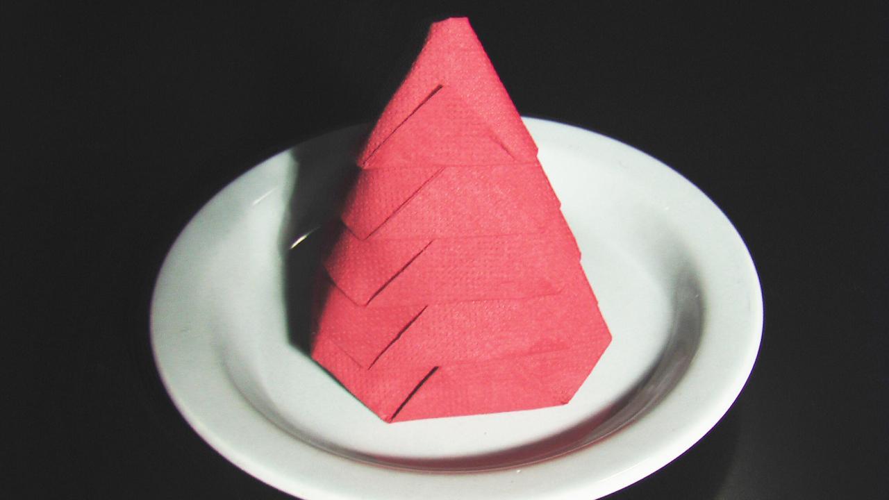 Pliage serviette papier sapin