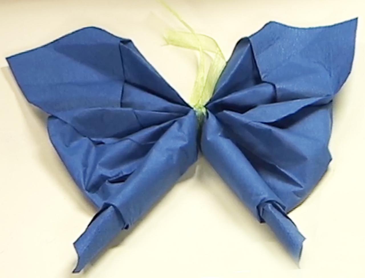 Pliage serviette papillon facile