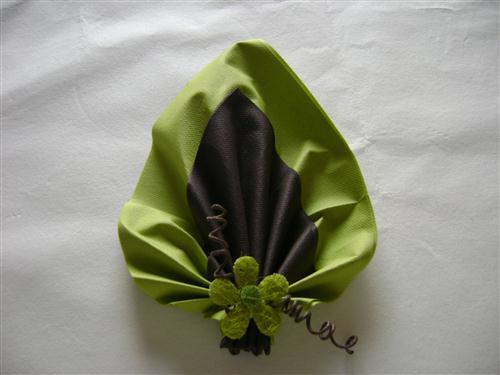 Pliage serviettes feuille